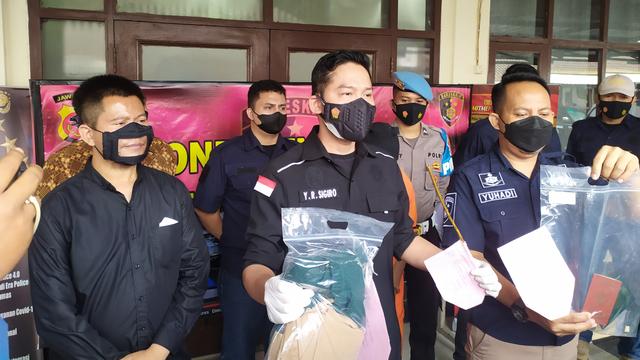 Terbakar Cemburu, Pria di Bandung Barat Aniaya Istri hingga Tewas (66043)