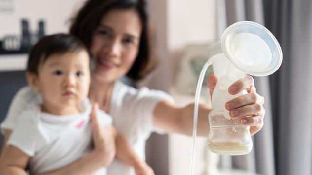 Yang Perlu Dipertimbangkan Sebelum Beri Bayi ASI dengan Metode Eping (59700)