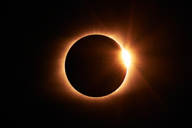 Apa yang Dimaksud dengan Matahari Sebagai Pusat Tata Surya? (323308)