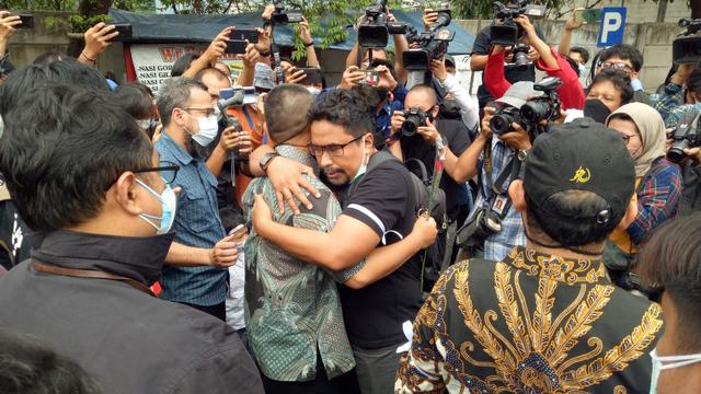 Cerita Heryanto: Dipecat KPK karena TWK, Kini Sibuk Jadi Kuli Renovasi Rumah (50877)