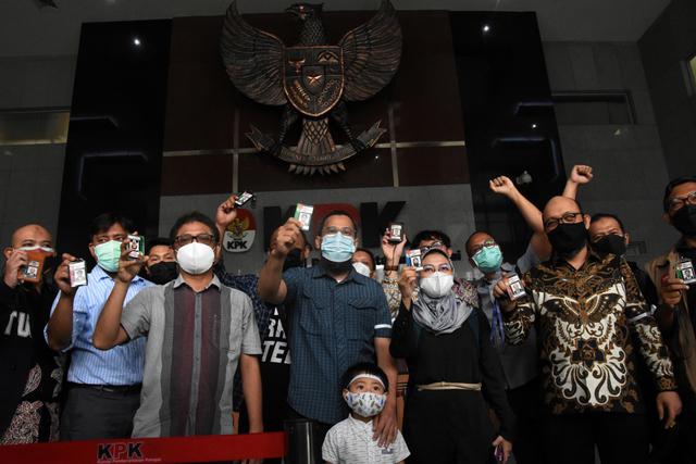 Cerita Heryanto: Dipecat KPK karena TWK, Kini Sibuk Jadi Kuli Renovasi Rumah (50878)
