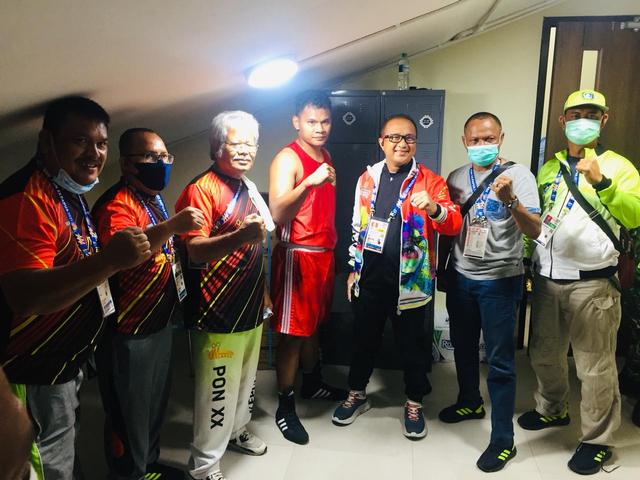Kalahkan DKI Jakarta, Petinju Asal Kepri Maju ke Semifinal di PON XX Papua (89443)