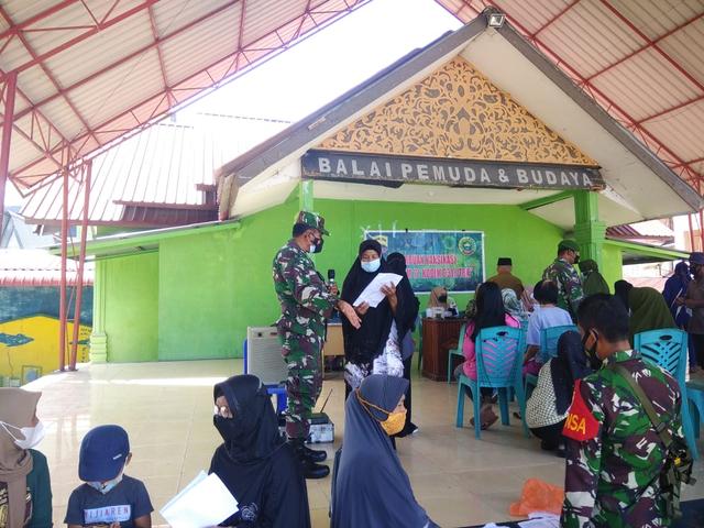 Vaksinasi Gurindam 12 Kodim 0317/TBK Berlanjut, Sasar Warga di Pulau Kundur (95571)