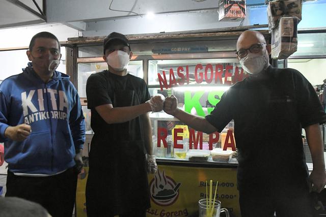 Ragam Bisnis Eks Pegawai KPK: Jualan Nasi Goreng, Empal, hingga Ternak Kambing (54141)