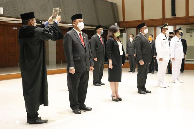 Anies Lantik 7 Pejabat Baru, termasuk Wali Kota Jaksel dan Jakbar   (1)