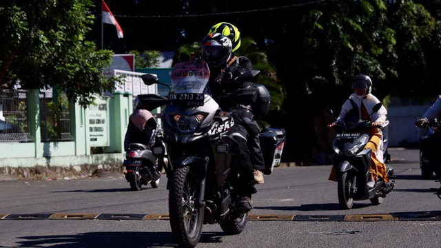 Kisah Suami Istri Touring Aceh-Papua Pakai Motor: 2 Kali Gagal Tembus Merauke (711426)