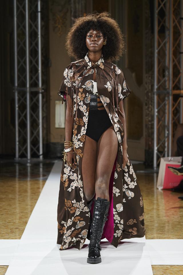 Bikin Bangga! Batik Durian Lubuklinggau Tampil di Milan Fashion Week 2021 (710370)