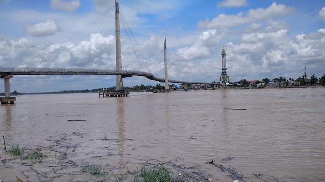 Menuju Buruk, Indeks Kualitas Sungai Batanghari Jambi Berada di 51,67 Poin (814053)