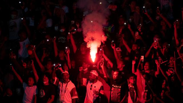 Foto: Suporter Membeludak di Laga Final Sepak Bola PON Papua vs Aceh (53978)