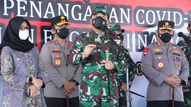 Panglima TNI: COVID-19 Sudah Turun, Kita Patut Bersyukur tapi Tetap Waspada (53378)
