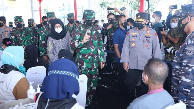 Panglima TNI: COVID-19 Sudah Turun, Kita Patut Bersyukur tapi Tetap Waspada (53377)