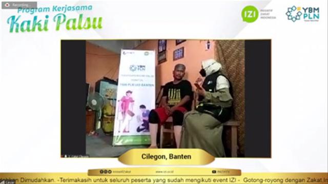 Bantuan Kaki Palsu untuk Difabel dari YBM PLN UID Banten dan IZI Banten (56474)