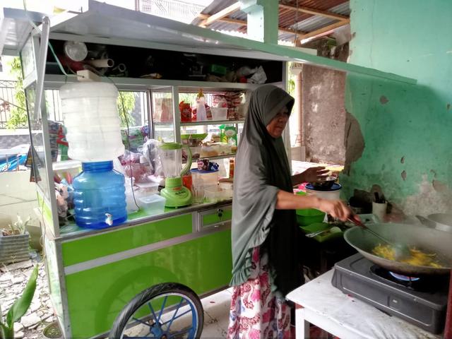 Penerima Manfaat Lapak Berkah IZI Sulsel - Pegadaian Curhat Penjualan Meningkat (56771)