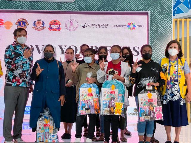 Kacamata Gratis untuk Anak-anak Yatim Piatu di Surabaya (50340)