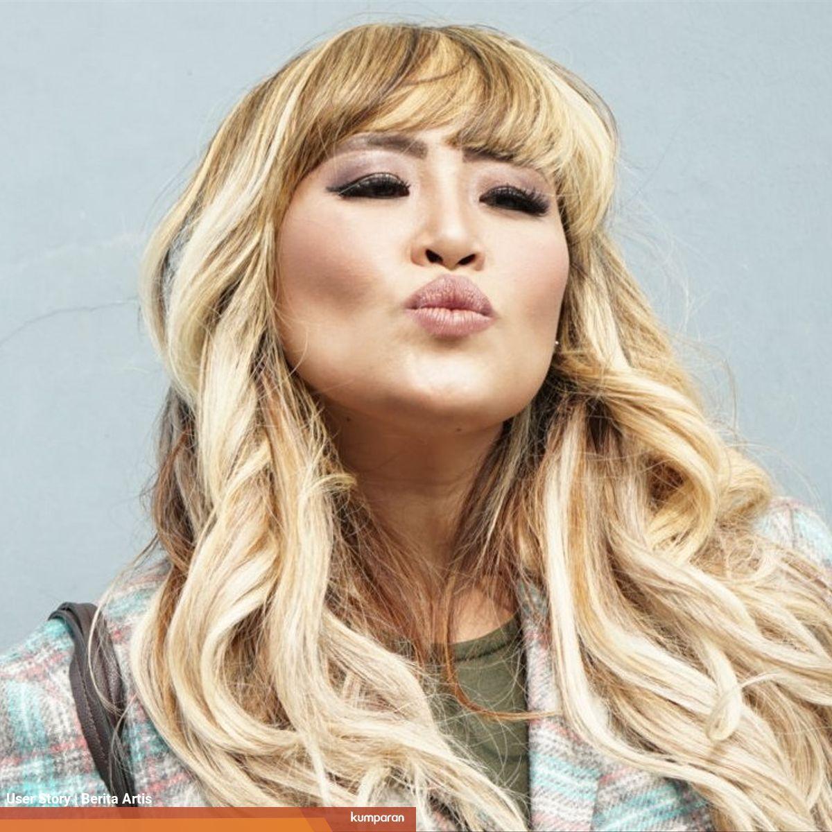 Tak Lagi Aktif Di Musik Pinkan Mambo Jualan Makanan Dan Buka Jasa Cuci Baju Kumparan Com