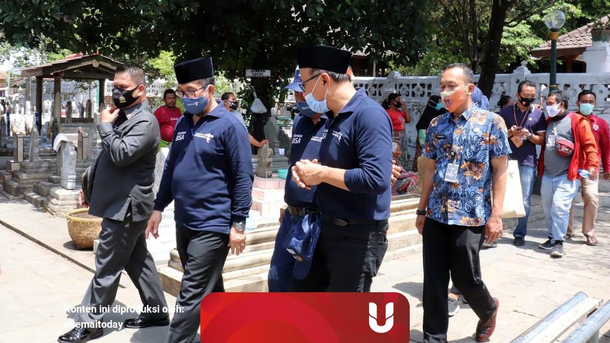 Kemenparekraf Aplikasikan Bisa Di Makam Sunan Gunung Jati Cirebon Jabar Kumparan Com