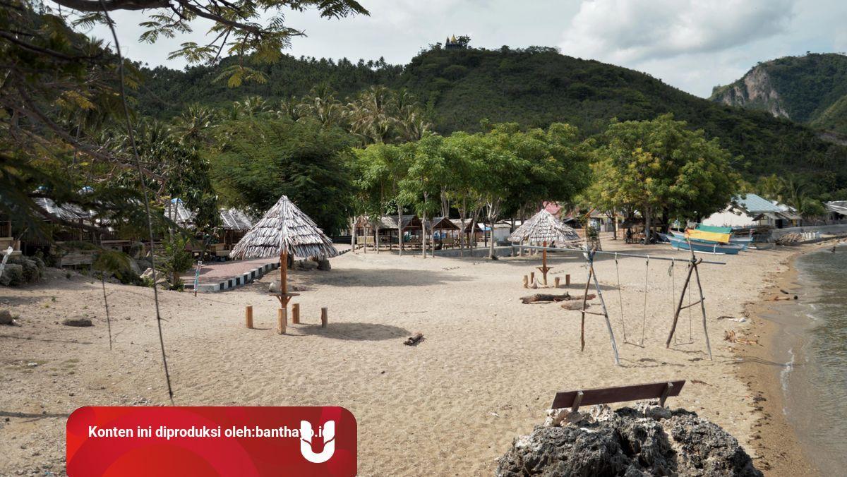 Wisata Ke Pantai Bongo