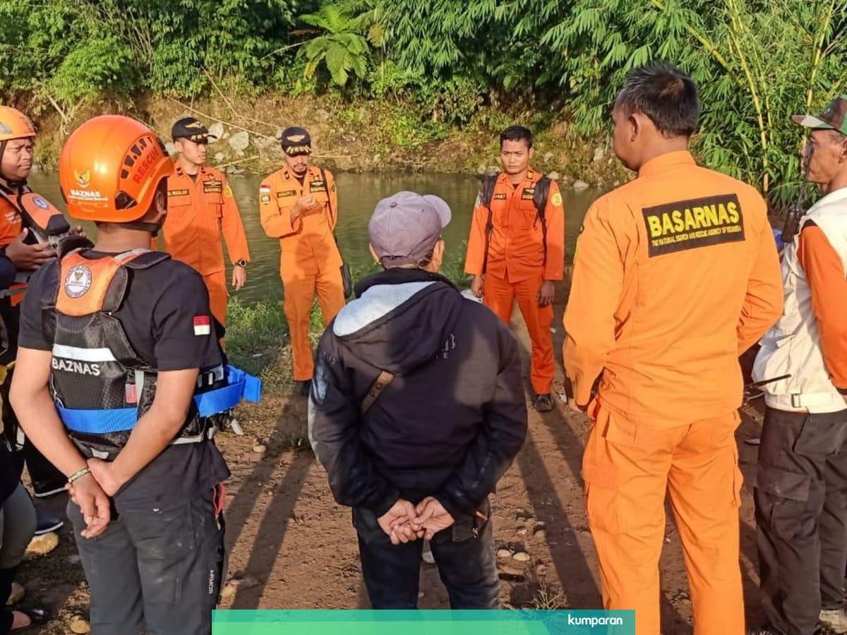 Pembina Santri Tenggelam Di Sungai Cianteun Sar Lakukan Pencarian Kumparan Com