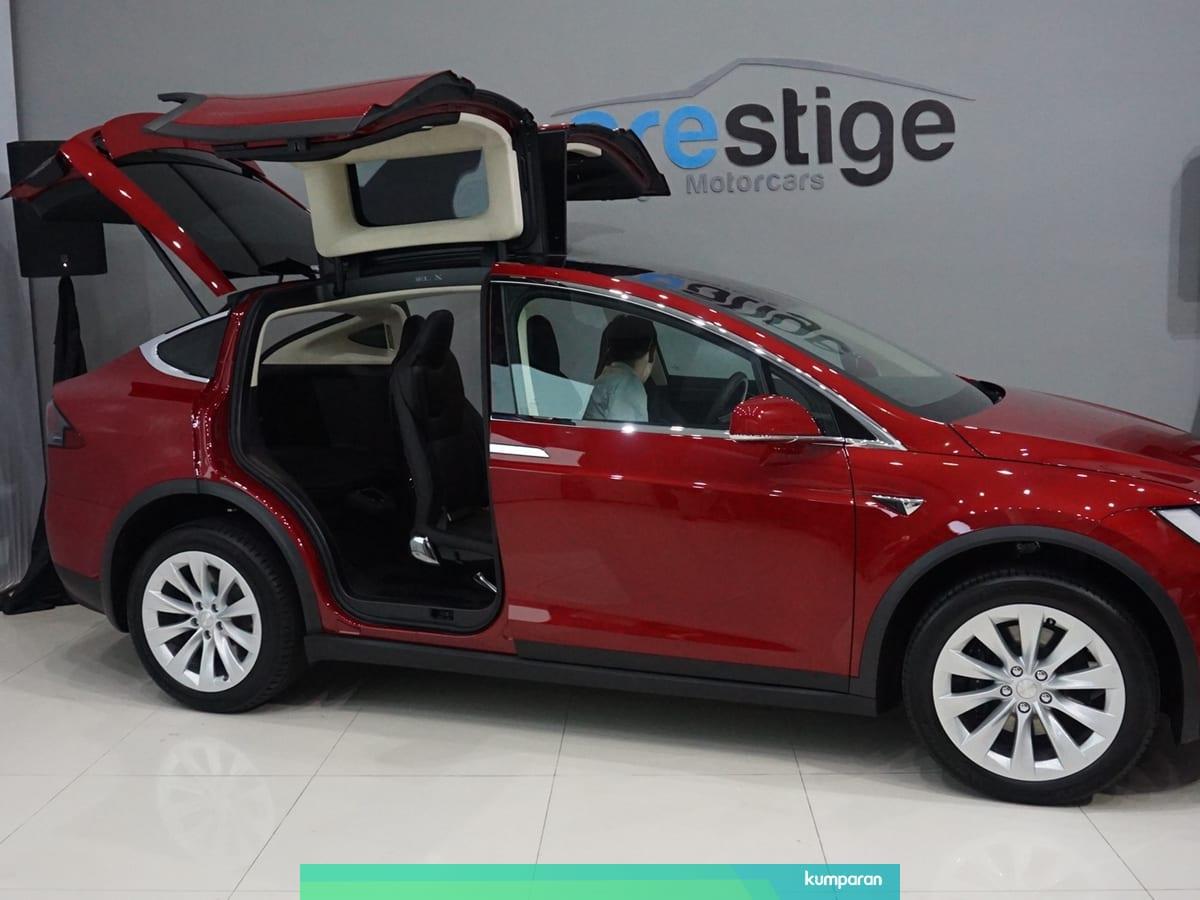 Tesla Model X Suv Listrik Pertama Dunia Yang Hadir Ke Indonesia Kumparan Com