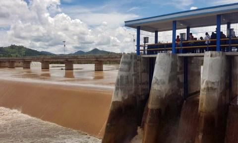 Proyek bendungan dan irigasi