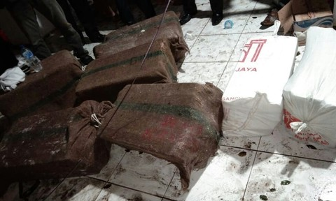Foto uang Rp 30 M Bank Sulselbar yang diselamatkan