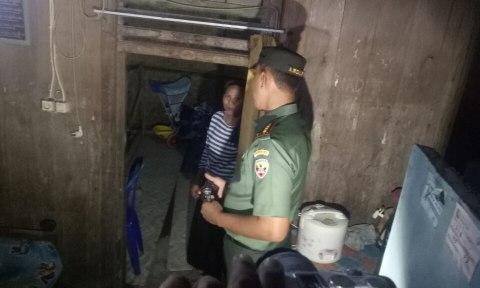 Danrem 162/WB Kolonel Czi Ahmad Rizal Ramdhani kunjungi rumah Ahmad Zohri.