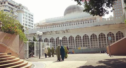 Muslim di Masjid Kowloon, Hong Kong