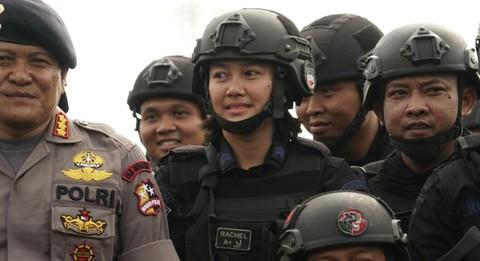 Christeel Racheltania Philip, Anggota korps Brimob
