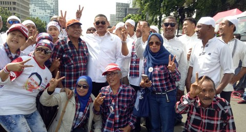 Relawan Ahok mendukung sidang Ahok