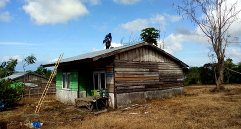 Pemasangan LTSHE di Desa Sori Tatanga