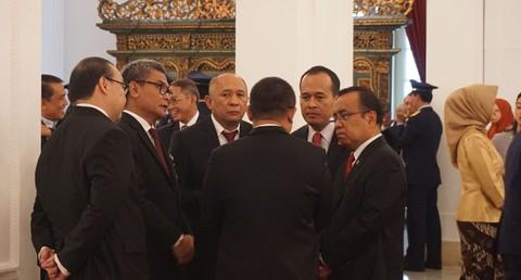 Suasana seusai pelantikan di Istana Negara