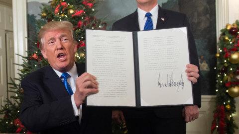 Donald Trump akui Yerusalem ibu kota Israel.