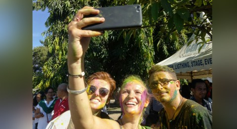 Festival Holi di Bali