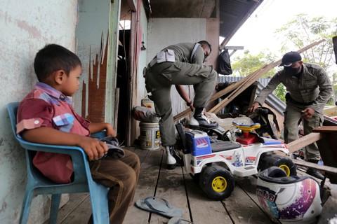 Relokasi hunian korban tsunami Aceh