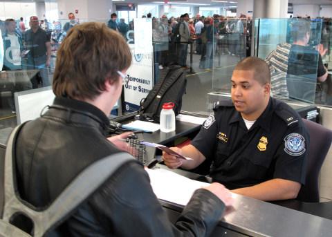 Pegawai Imigrasi Amerika Serikat