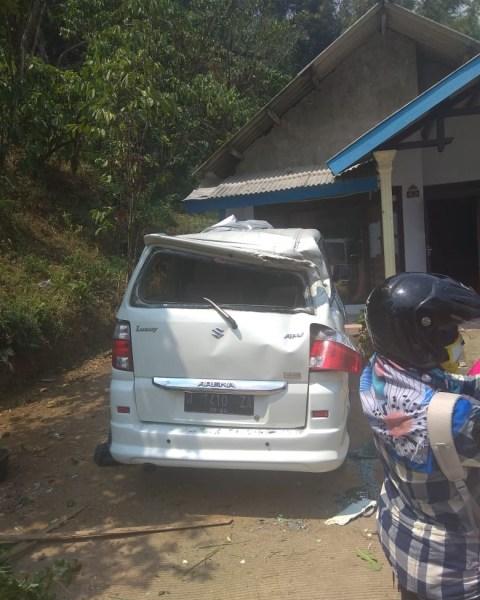 Truk Angkut, Brimob Polda Jatim, Presiden RI, Joko Widodo, Mojokerto [NOTCOV]