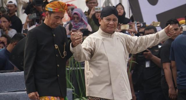 Jokowi Atau Prabowo yang Jadi Presiden, Harga BBM Naik di ...