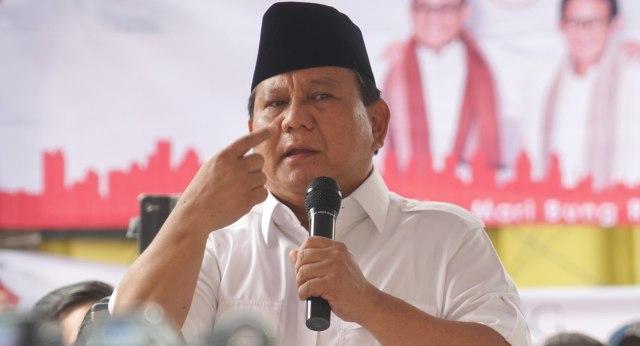 Ngabalin Stroke: Prabowo: Saya Mengaku Tak Pantas Jadi Imam Salat