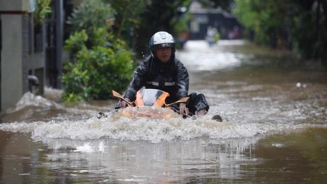 Banjir Dan Pilkada Dki