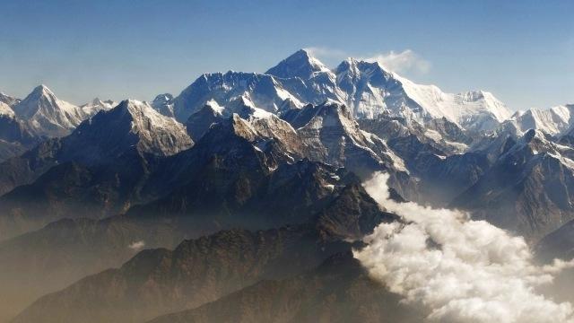 Ketika Gunung Everest Jadi Tempat Sampah Orang Orang Kaya Kumparancom