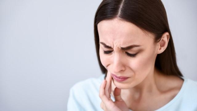 7 Cara Mudah Mengatasi Sakit Gigi - kumparan.com ddc3f72595