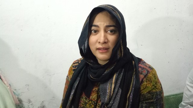Jane Shalimar usai gelar acara tahlilan (Foto  DN. Mustika Sari kumparan) f86363918a