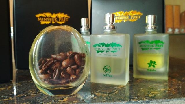 Minyak wangi asal Aceh c0dc7f94df