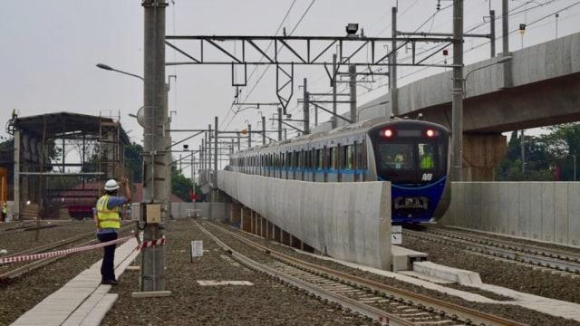 Mrt Jakarta Jalani Uji Coba Sistem Operasional Kereta Kumparan Com
