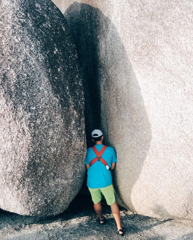 (Foto: Seperti menapaki zaman Megalitikum saat berkeliling di batu granit Pantai Tanjung Tinggi, Belitung/ Eka Situmorang-Sir)