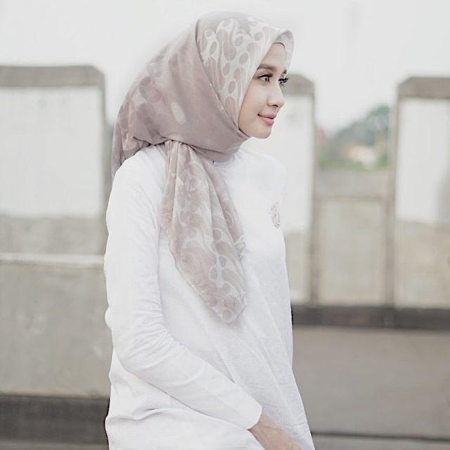 Tutorial Gaya Hijab Laudya Chintya Bella Hijab Converse