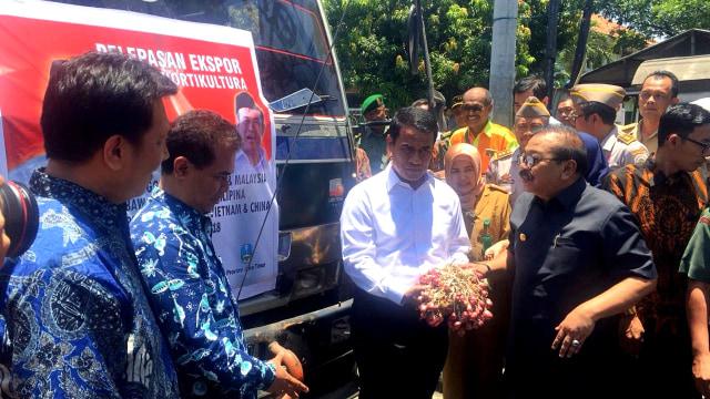 Mentan Lepas Ekspor Produk Hortikultura Di Surabaya Kita Dorong