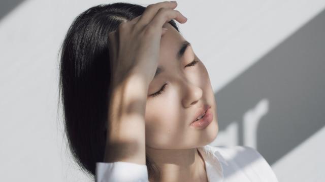 Hasil gambar untuk Lindungi kulit Anda dari sinar matahari