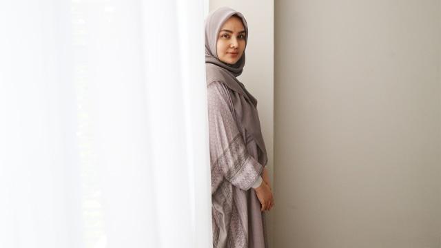 Inspirasi Womanpreneur  Desainer Modest Fashion Ria Miranda ... 56ba77a150