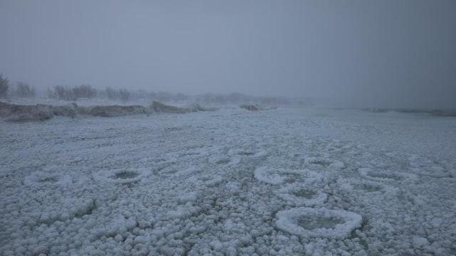 Image result for danau michigan membeku
